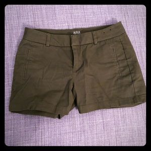 a.n.a. Olive green shorts size 8